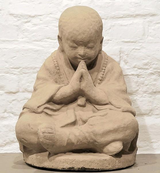 Betender Mönch Steinguss